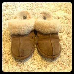 UGG Scuffette Fawn Suede Slippers Womens Size 9.5